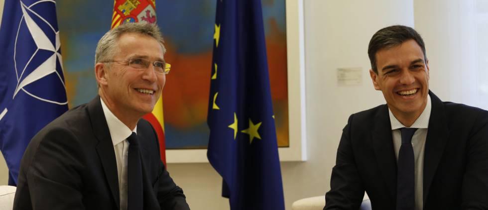 NATO Secretary General Jens Stoltenberg with Spanish PM Pedro Sánchez.