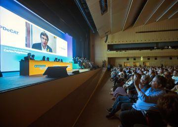 Carles Puigdemont, interviene este domingo por videoconferencia en la clausura de la asamblea del PDeCAT.