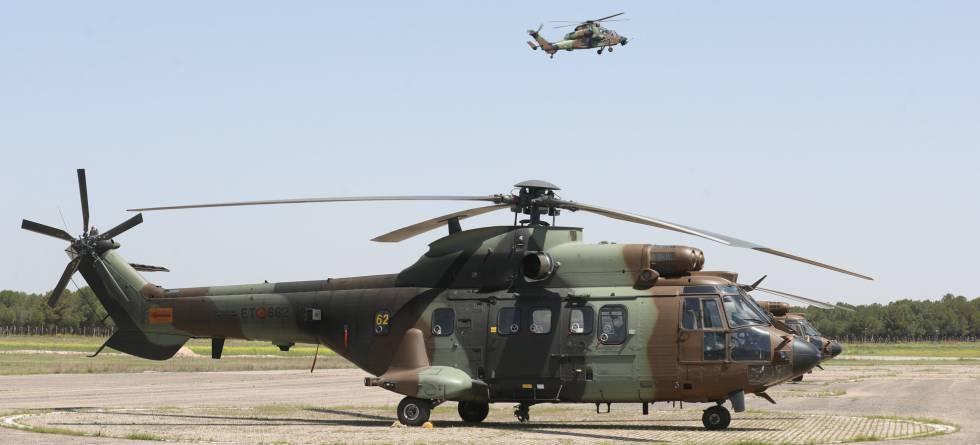 Un Cougar AS532 en la Base aérea de Almagro.