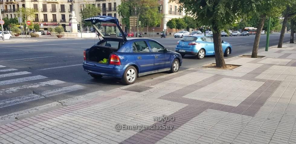 Imagen facilitada por los servicios de emergencia de Sevilla del vehículo que utilizó Boza
