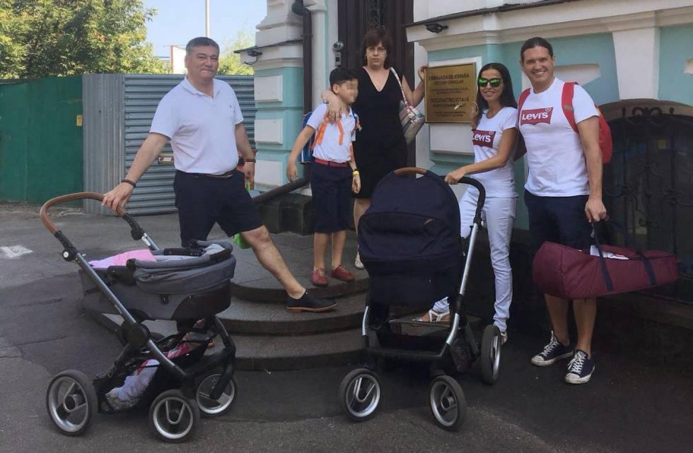 Spanish couples undergoing surrogacy processes left in legal limbo in Ukraine