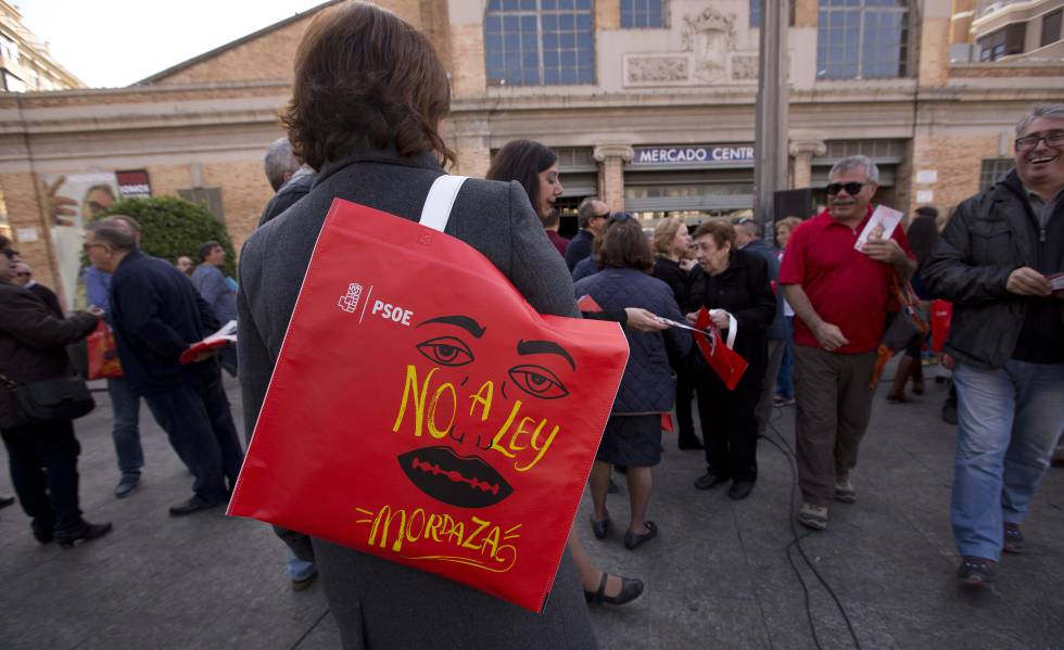 Gag Law In Spain Spanish Government Backtracks On Reforms To