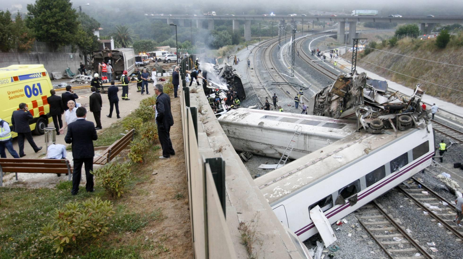 Descarrilamiento del tren Alvia a la altura del barrio de Angrois (Santiago de Compostela) que costó la vida a 79 personas.