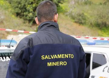 Los mineros, listos para entrar en acción en el pozo de Totalán