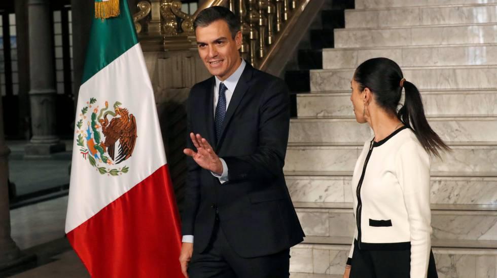 Pedro Sánchez, junto a la alcaldesa de Ciudad de México Claudia Sheinbaum.
