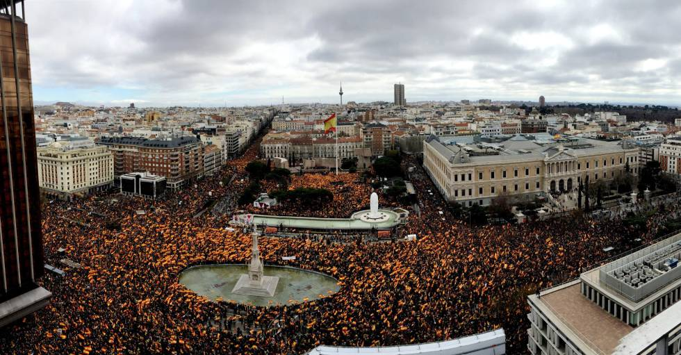 An aerial view of Colón square during Sunday's protest.