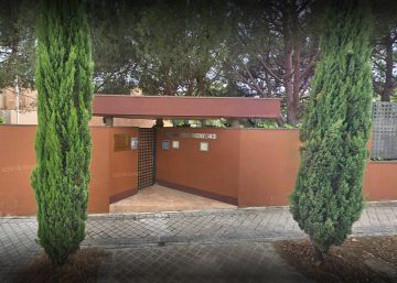 check out 29bd4 b57e0 Acceso a la embajada de Corea del Norte en Madrid.