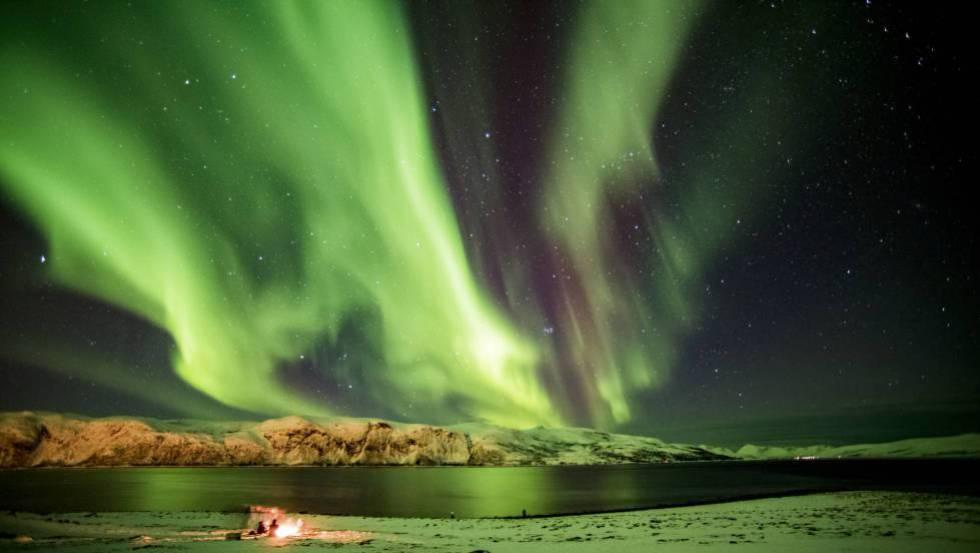 Aurora boreal en Myre, en la provincia noruega de Troms, dentro del Círculo Polar Ártico.