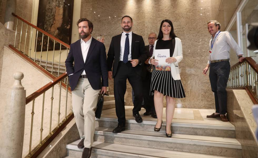 El PSOE advierte a PP y Cs de que vetará a Vox en todas las comisiones del Congreso