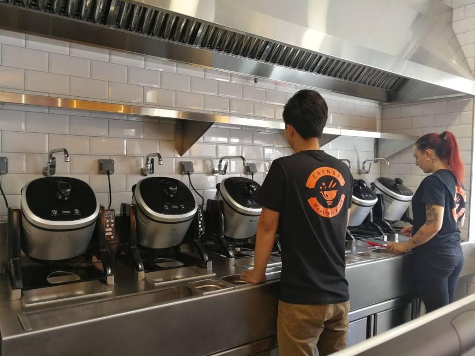 La cocina de Crensa tiene seis robots inteligentes.