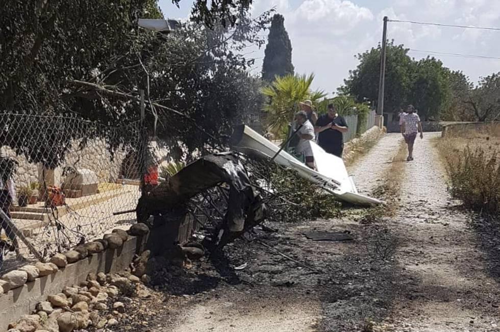 Mueren siete personas en un choque en el aire de un helicóptero y una avioneta en Baleares