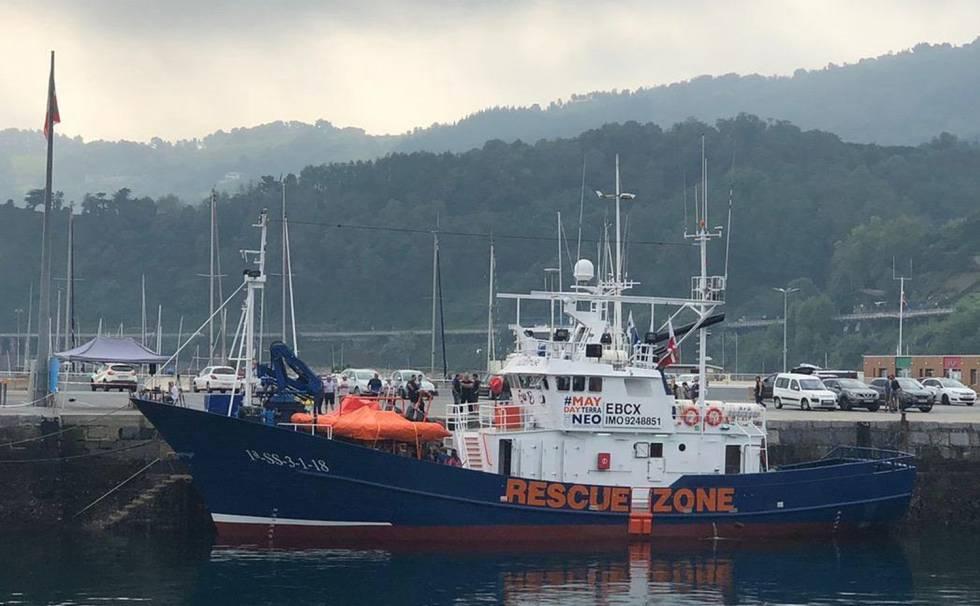 El barco 'Aita Mari' recibe el permiso para zarpar hacia el ...