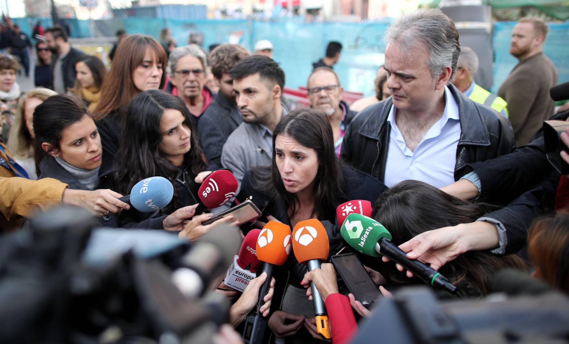 """La dueña de la vivienda señalada por Podemos: """"¿Tengo que regalarles mi piso?"""""""