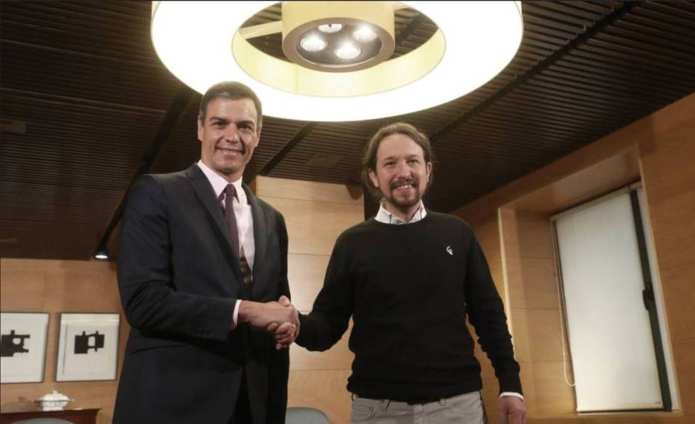 Pedro Sánchez y Pablo Iglesias antes de reunirse el pasdo 11 de junio en el Congreso.