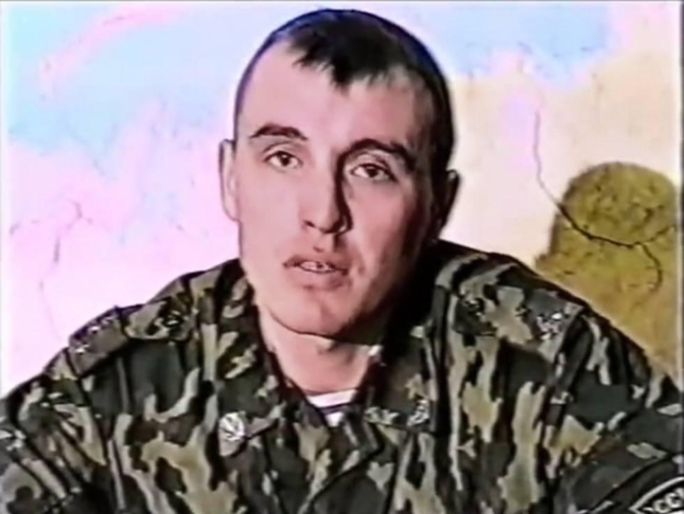 Denís Serguéyev en una imagen de un documental en 1999. Luego recibiría la identidad falsa de Serguéi Fedótov.