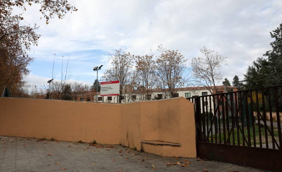 Puerta principal del Centro de Menores de Hortaleza.