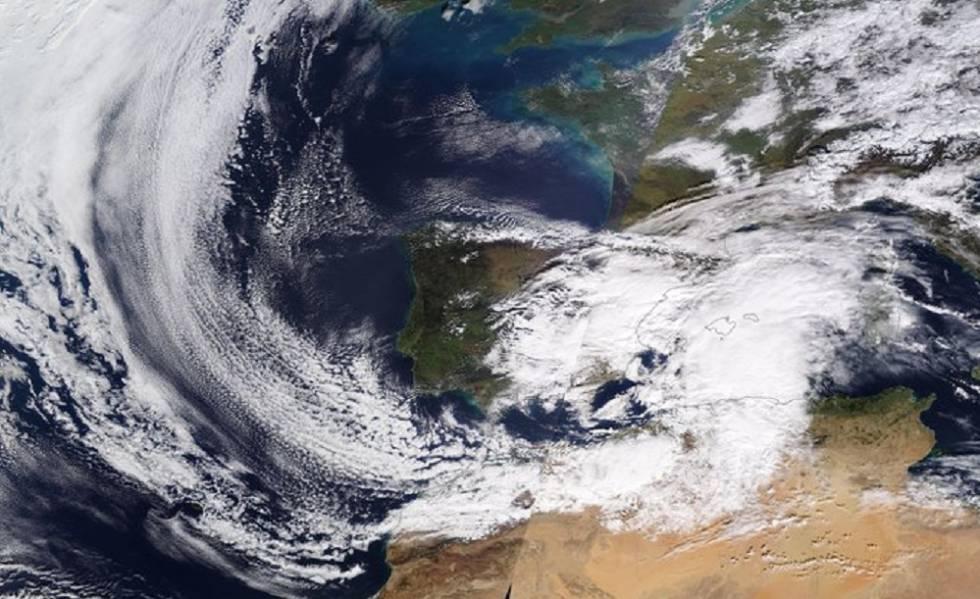 Gloria, vista a mediodía del domingo desde el satélite Terra.