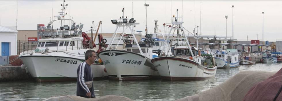Salvamento Marítimo busca un barco pesquero con seis tripulantes desaparecido cuando faenaba en aguas de Marruecos