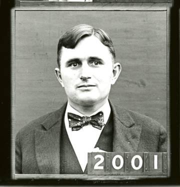 Souder, en un retrato como empleado de la Oficina Nacional de Normas, en 1918.