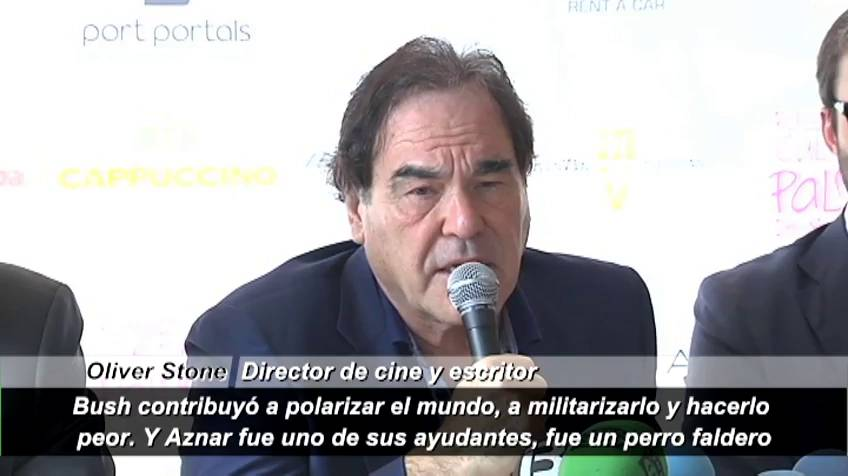 "Oliver Stone: ""El señor Aznar fue un perro faldero de Bush"""