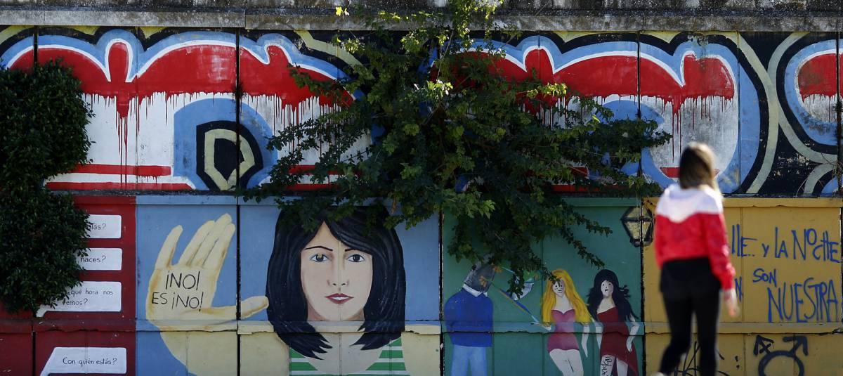 Graffitis en Sevilla contra las agresiones sexuales.