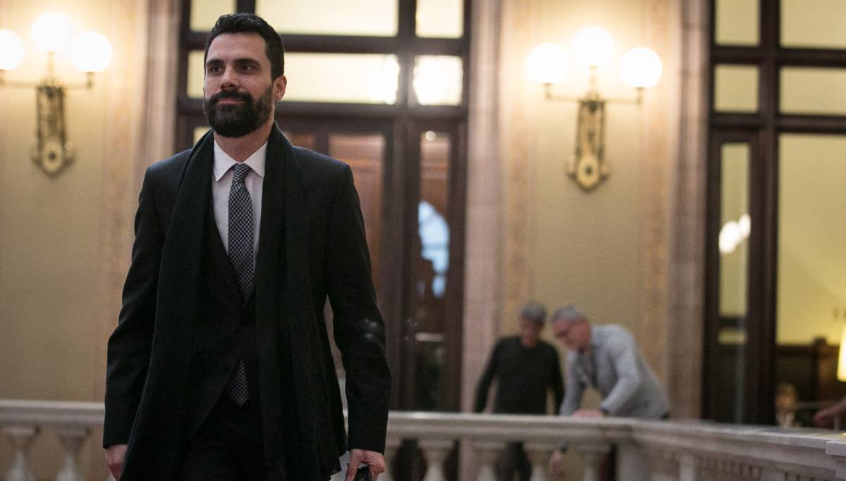 Roger Torrent a su llegada al Parlament.