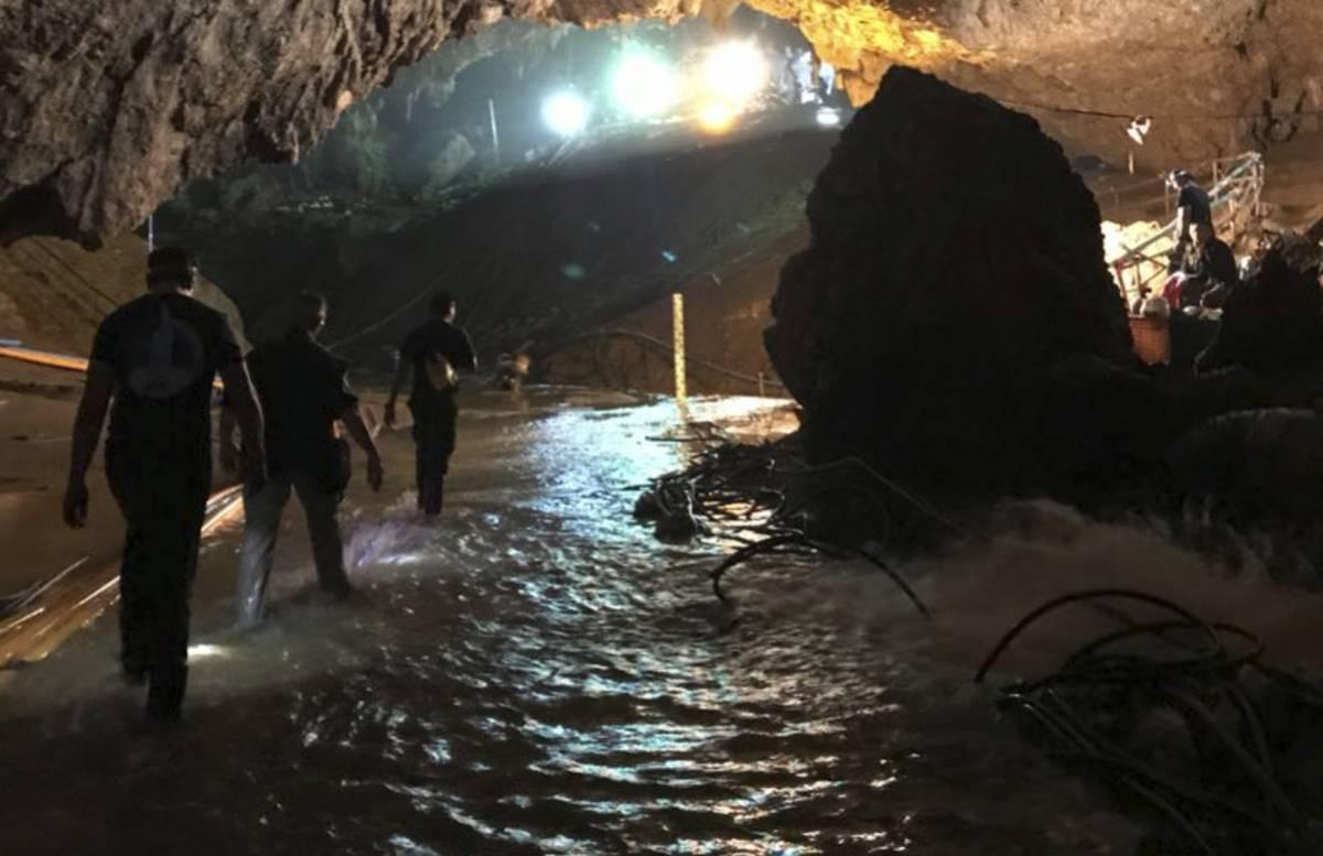 Image result for rescate niños de tailandia