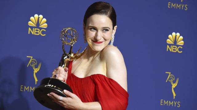 Rachel Brosnahan winner of the award for outstanding lead actress in a comedy series for