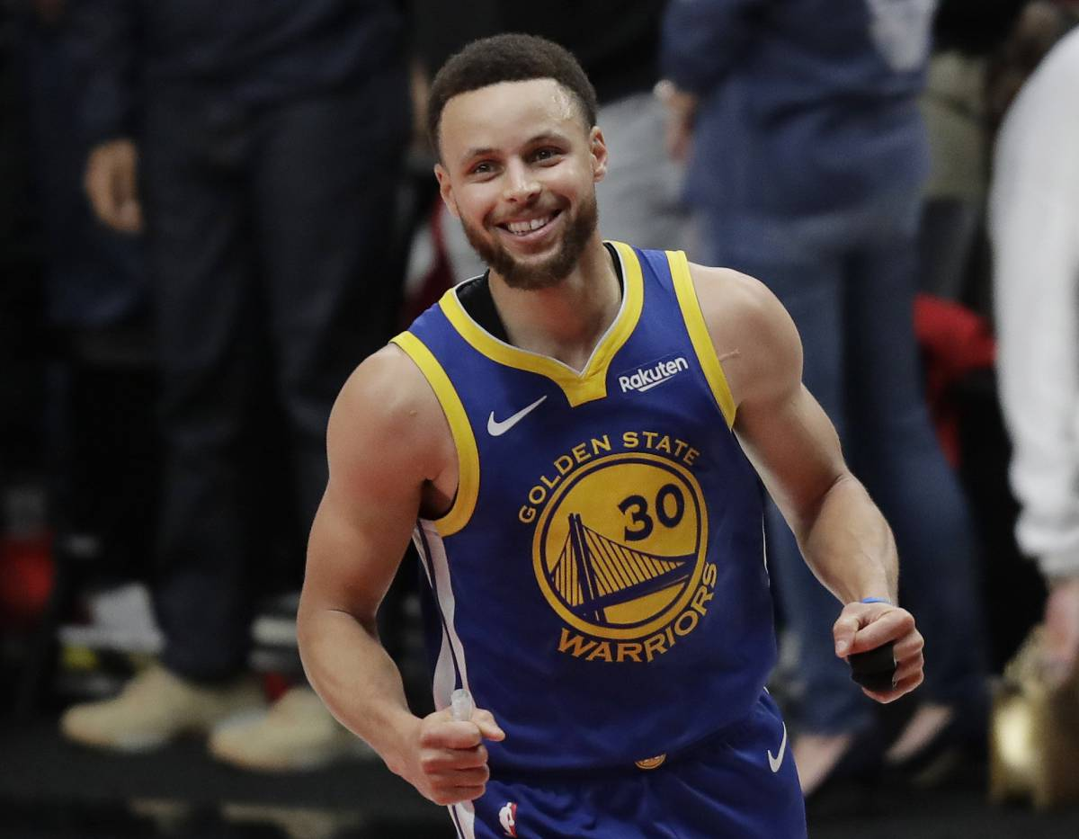 4b85c2eef Golden State Warriors guard Stephen Curry reacts at the end of Game 4 of  the NBA