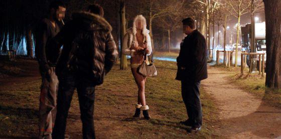 multa clientes prostitutas prostitutas follando por dinero
