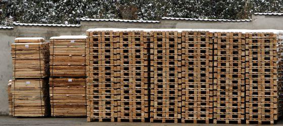 Productos de madera de un aserradero certificado en Valsaín (Segovia).