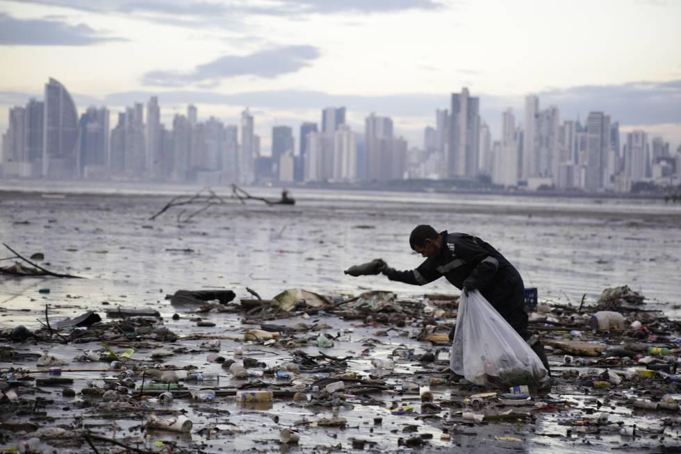 250 grandes empresas se unen para reciclar todo el plástico en 2025