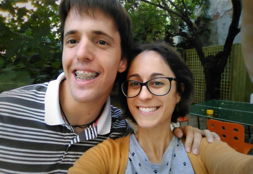 Óscar y Sara, cooperativistas de Altavoz.