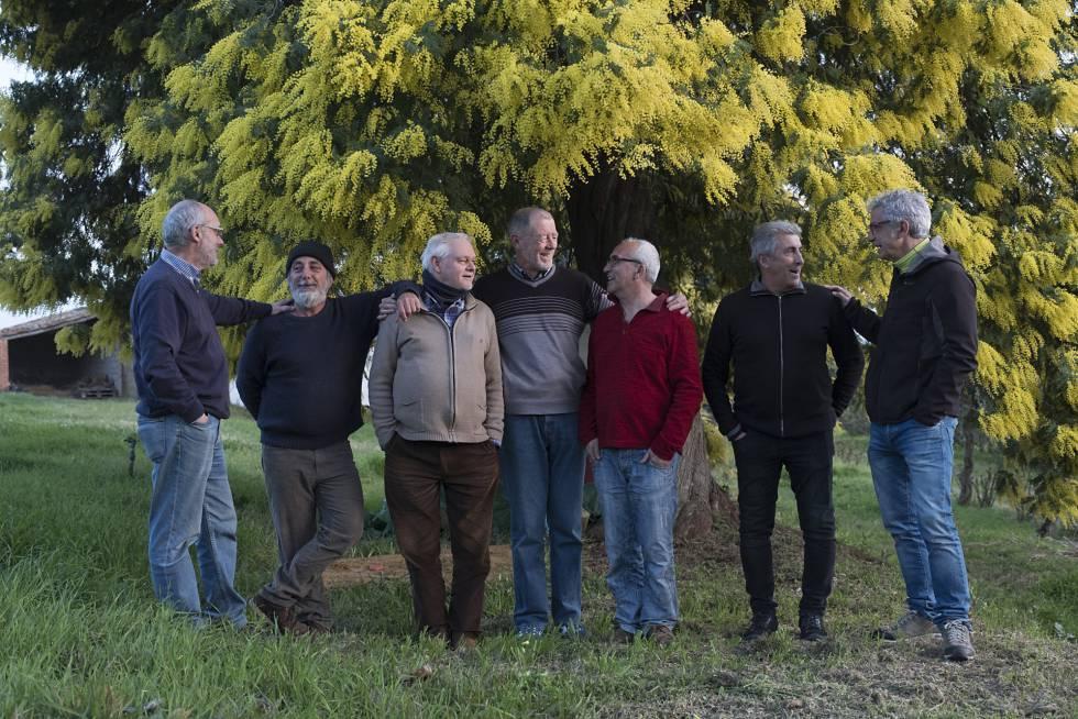 Los integrantes del grupo, antes de la reunión. Desde la izquierda, Ángel Rey, Juan Manuel Franco, Pablo García, Alejo Durán, Miguel Sánchez, Pedro Martín y Manuel.