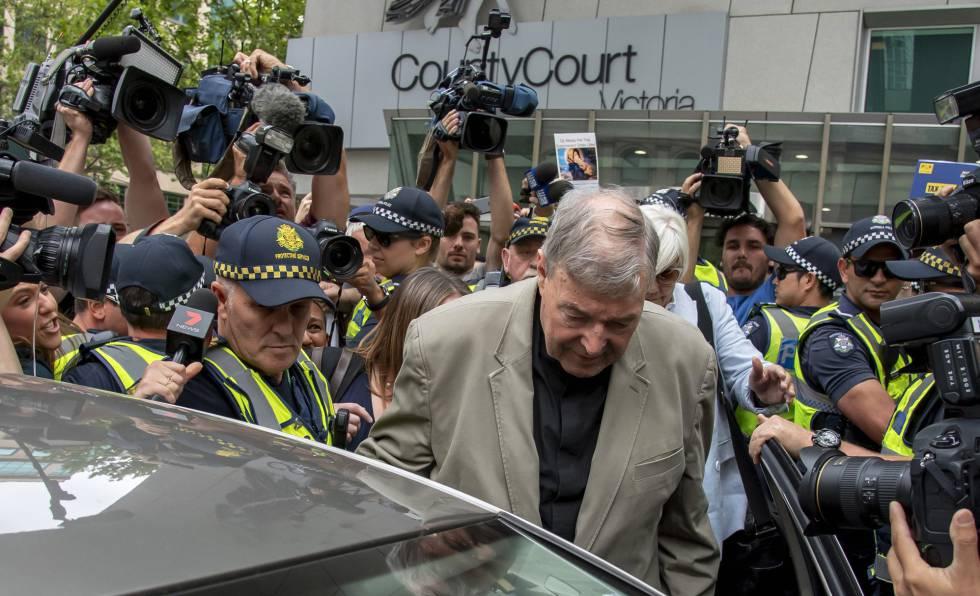 El cardenal George Pell sale del tribunal el pasado 26 de febrero.