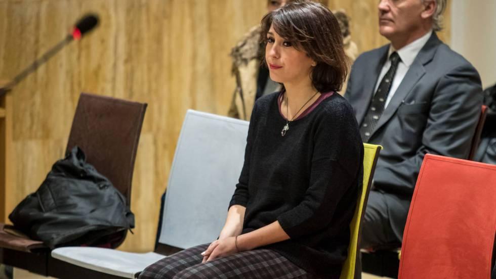 Juana Rivas, en un juzgado de Granada, en febrero de 2018.