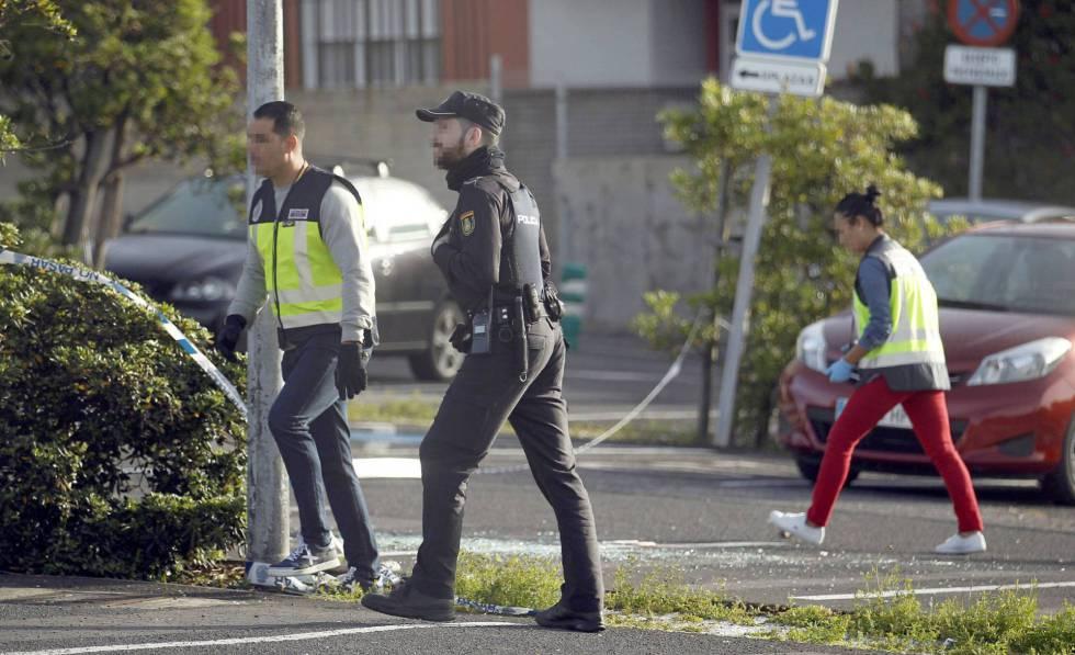Policías nacionales en La Laguna (Tenerife).