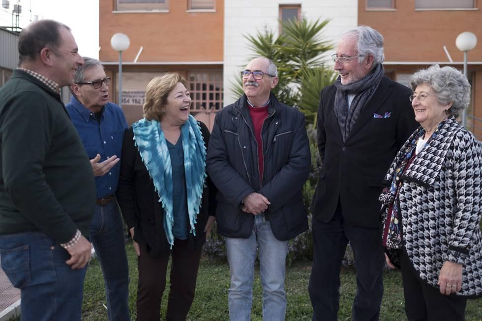 Miembros de la 'Asociación Abante Jubilar Sevilla' planifican un proyecto de 'cohousing'.rn