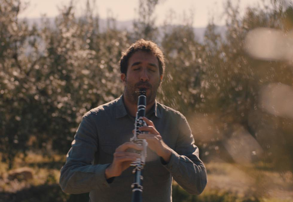 Daniel Broncano toca el clarinete en el festival Música en Segura.