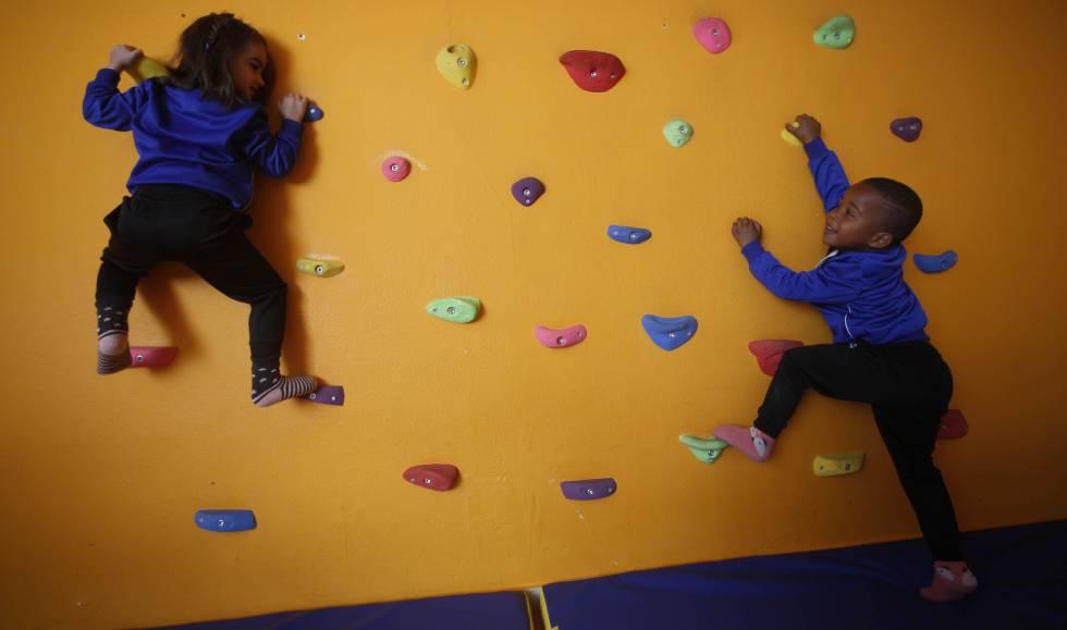 Alumnos del colegio público Montessori, en Rubí.