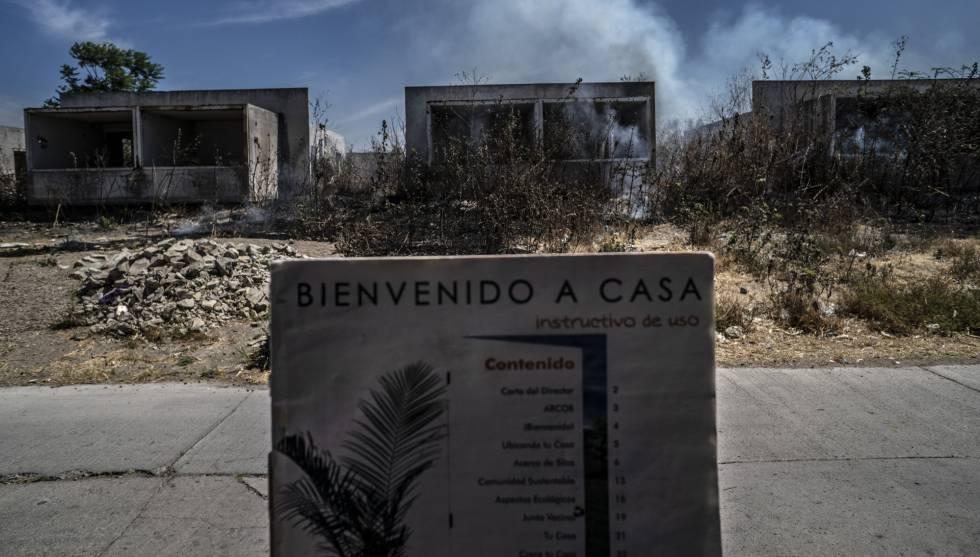 Casas abandonadas en Los Silos y un manual de bienvenida.