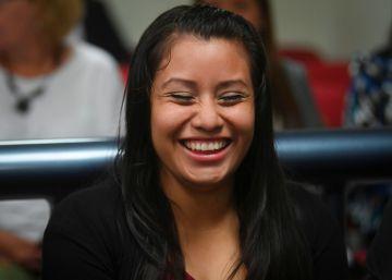 Absolvida a mulher que deu à luz um bebê morto e foi acusada de abortar em El Salvador