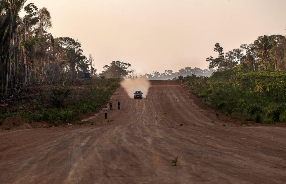 Las mil batallas por la tierra que incendian la Amazonia