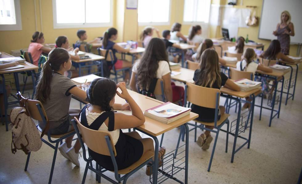 Alumnos de un colegio público de Infantil y Primaria de Sevilla, en septiembre de 2018.