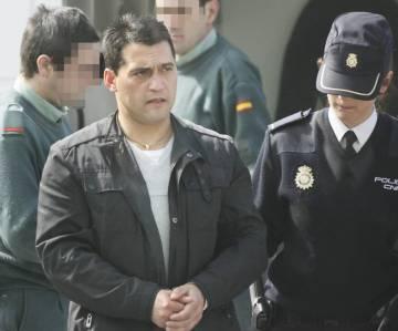 Adán es trasladado a los juzgados de Lugo tras su detención.