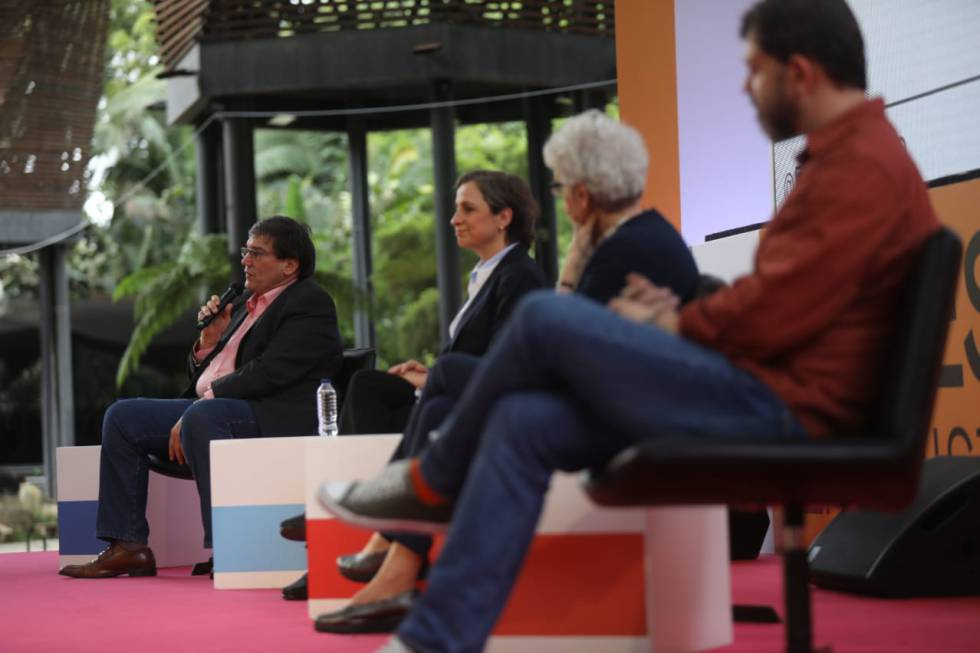 Desde la izquierda, Jaime Abello Banfi, Carmen Aristegui, Soledad Gallego-Díaz y Pedro Doria.