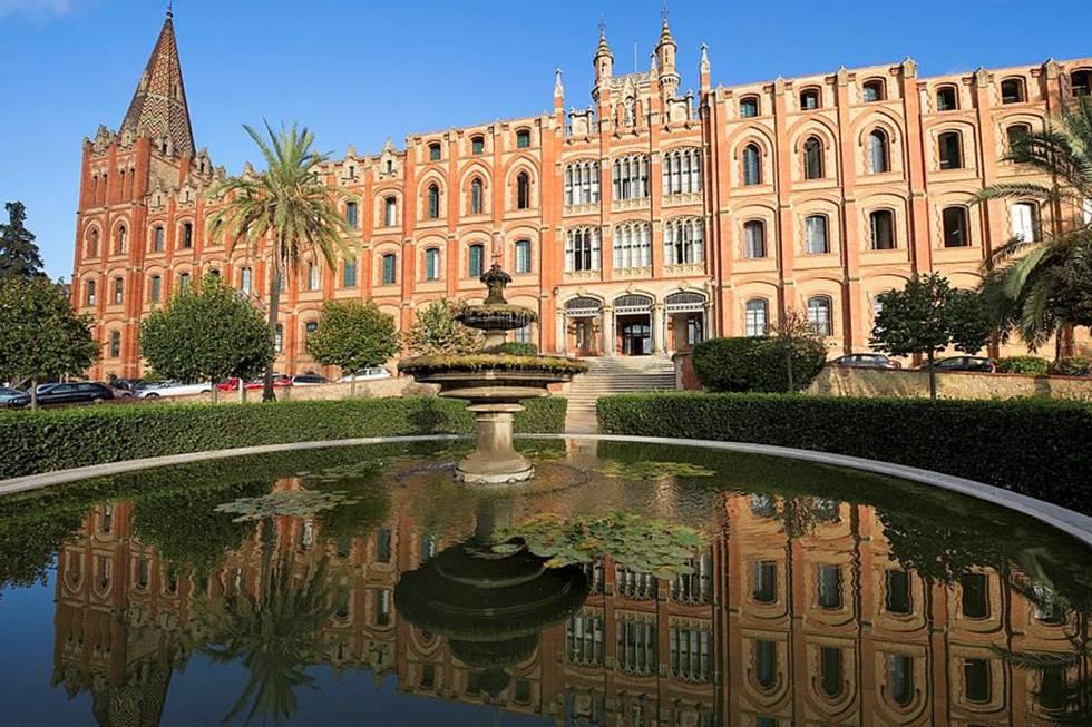 Fachada del colegio Sant Ignasi de los jesuitas, en el barrio de Sarrià de Barcelona.