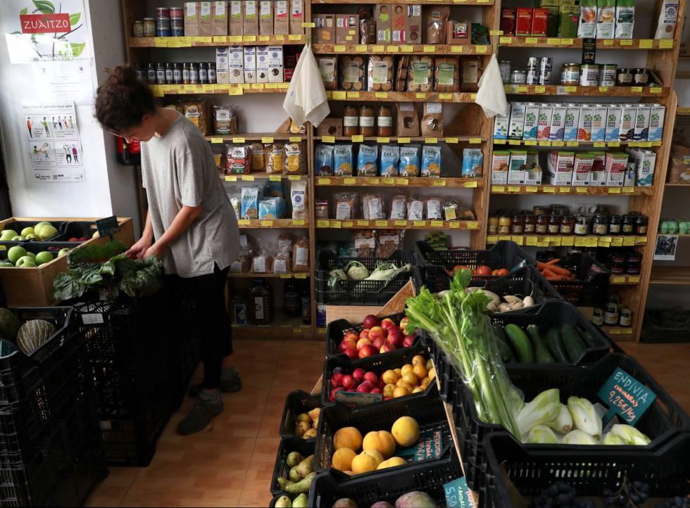 Espacio de consumo 2dEcológico, germen del futuro supermercado cooperativo La Osa de Madrid.