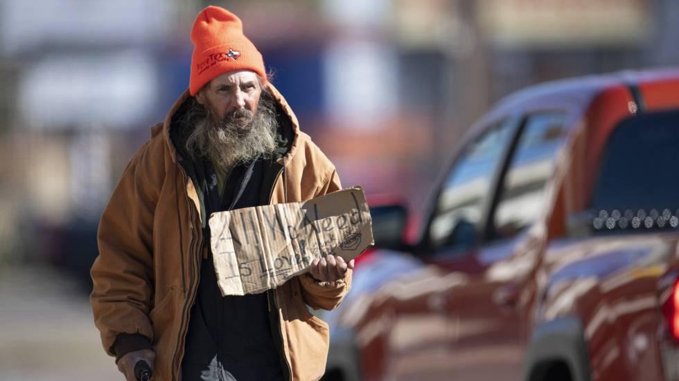 Una persona sin techo en Austin, Texas, Estados Unidos.