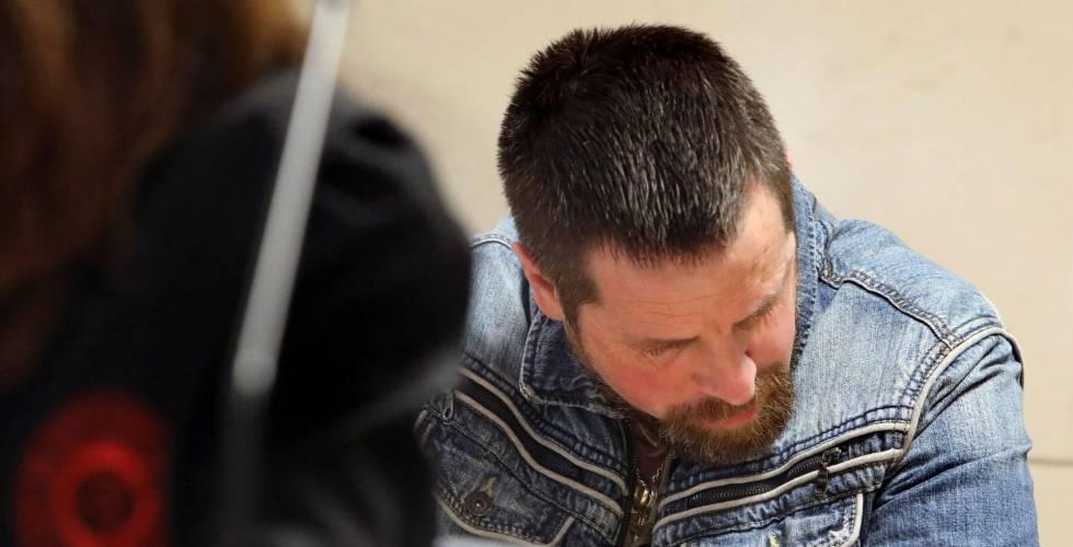 José Enrique Abuín, alias 'El Chicle', acusado de la muerte de Diana Quer, sentado el jueves en el banquillo de los acusados.